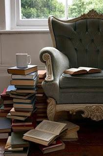 Livros e xícaras de chá